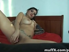IvanaA�T goes solo on bed