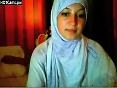 Free Chat Busty Hijab Girl Fingering Her Ass On Webcam