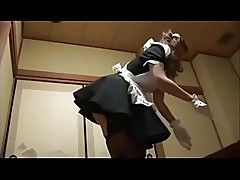 This Japanese Maid gives a good Blow job!
