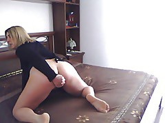 Italian Milf masturbate for me...pussy and anal dildo